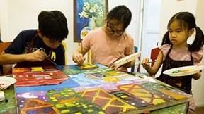 Triển làm và đấu giá tranh ủng hộ trẻ em khiếm khuyết cơ quan sinh dục