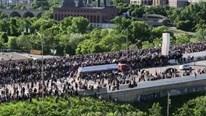 Kinh hãi cảnh xe bồn lao vun vút vào đám đông biểu tình ở Mỹ