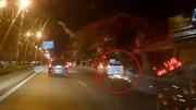 Hải Phòng: Taxi tông liên hoàn xe máy, kéo lê tóe lửa trên đường