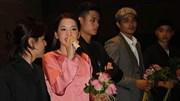 Chi Pu bối rối vì bị yêu cầu hát cải lương ngay trong họp báo MV mới