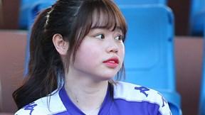 Bạn gái Quang Hải rạng rỡ reo hò trước trận thắng của Hà Nội FC