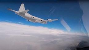 Xem Su-27 chặn máy bay ném bom B-52H của Mỹ trên biển Baltic