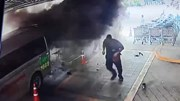 Đang chuyển bệnh nhân thì xe cứu thương bất ngờ phát nổ, cháy rụi