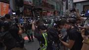 Hàng chục người bị bắt vì phản đối luật mới, Anh 'mở cửa' đón dân Hong Kong