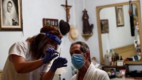 Covid-19: Tổng thống Brazil nhiễm bệnh, Australia tái phong tỏa Melbourne