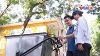 Sinh viên Hà Nội chế tạo xe gom rác thông minh, tự lái theo la bàn