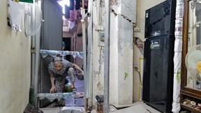 Hà Nội: Sống trong nhà phố nứt toác, chống gậy sắt chờ sập
