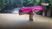 Cảnh ôtô, nhà cửa ở Hà Giang chìm trong biển nước sau trận mưa lớn