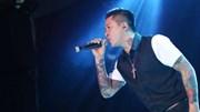 Tuấn Hưng tuyên bố tạm nghỉ hát 'Đến lúc nhường chỗ cho ca sĩ trẻ hơn'