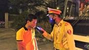CSGT xuyên đêm kiểm tra xe khách sau loạt tai nạn nghiêm trọng