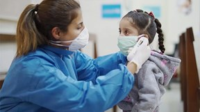 Covid-19: Mỹ ghi nhận gần 600 trẻ gặp hội chứng viêm lạ do mắc virus corona