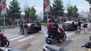 Sau va chạm, nam thanh niên xuống ô tô đánh người đàn ông tới tấp