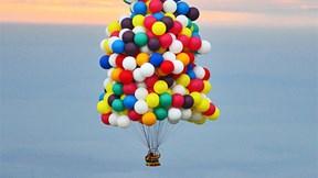 Hành trình kỳ diệu vượt đại dương xuyên mây núi bằng hàng trăm quả bóng bay