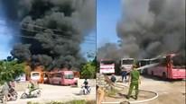 Thanh Hóa: Nhiều xe chở công nhân bị thiêu rụi tại bãi xe tự phát