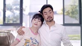 Cặp vợ chồng trẻ cài 1001 camera giấu kín theo dõi nhau và cái kết