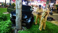 Nữ tài xế Camry 23 tuổi húc văng 8 xe máy, 6 người phải cấp cứu ở TP.HCM
