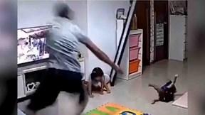 Con gái làm đổ gương, bố giải cứu bé út 'nhanh như chớp'