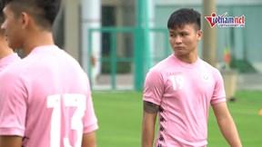 Hà Nội FC đổ bộ sân tập, Quang Hải bất ngờ tập riêng
