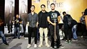 MC Long Vũ, Anh Tuấn chơi đàn, hát nhạc The Bealtes tại 'bảo tàng ngây thơ'