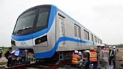 Lắp ráp tàu metro số 1 vào đường ray chờ ngày chạy thử