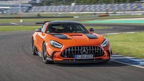 Mê mẫn trước siêu xe thể thao Mercedes-AMG GT Black Series 2021