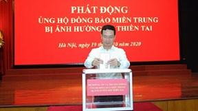 Bộ Thông tin và Truyền thông quyên góp ủng hộ đồng bào miền Trung