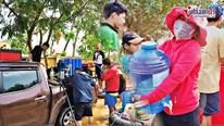 Máy lọc nước dã chiến công suất 3.000 lít/h 'cứu khát' miền Trung