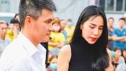 Thủy Tiên tặng 200 triệu trả nợ ngân hàng, người dân nghèo bật khóc