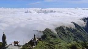 Đi Fansipan chưa bao giờ rẻ, đẹp, tiện như mùa săn mây 2020
