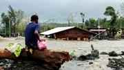 Philippines tan hoang sau siêu bão Goni, hàng trăm nhà cửa bị nhấn chìm