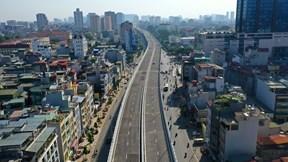 Ngày đầu thông xe cầu cạn Vành đai 2 qua đường Trường Chinh