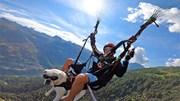 Ngôi làng đẹp nín thở ở Thụy Sĩ, người dân bay dù lượn đi làm
