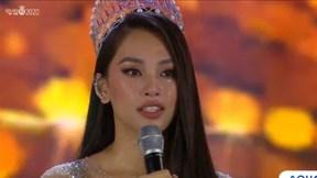 Hoa hậu Tiểu Vy bật khóc trước thời khắc kết thúc nhiệm kỳ