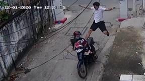 Trộm bọc quần áo phụ nữ bỏ chạy, nam thanh niên nhận cái kết đau đớn