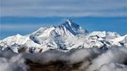 'Nóc nhà thế giới' bỗng cao thêm gần 1m sau cuộc đua giữa TQ và Nepal