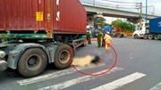TP.HCM: Một phụ nữ đi xe đạp tử vong tại chỗ vì va chạm với container
