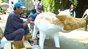 Gấp rút hoàn thành linh vật phục vụ đường hoa Tết Tân Sửu 2021