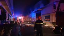 Công ty giày da quận Bình Tân bất ngờ cháy lớn, thiệt hại hàng tỷ đồng
