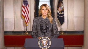 TT Trump im lặng, đệ nhất phu nhân Mỹ nói lời tạm biệt Nhà Trắng