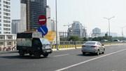 Quay đầu 'tiết kiệm đường' trên cầu Thăng Long, hàng loạt ô tô bị xử phạt