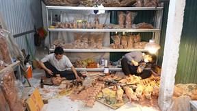 Linh vật trâu gỗ ăn khách dịp tết Tân Sửu 2021