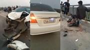 Ô tô đâm loạt xe đạp điện trên cầu, học sinh rơi xuống sông tử vong