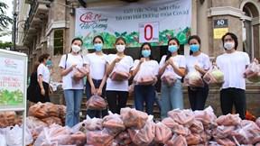 Á hậu Diễm Trang, Kiều Loan trực tiếp bán nông sản cứu trợ Hải Dương