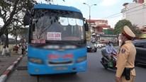Hà Nội: Nhiều nhà xe cố tình dừng đỗ đón khách gần bến xe