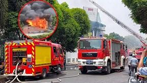 TP.HCM: Cháy lớn tại nhà hàng BBQ, khói bốc cao hàng chục mét