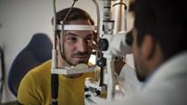 Phát hiện sớm bệnh tim nhờ khám mắt