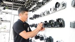Bất ngờ trước chàng trai miền Tây sở hữu bộ sưu tập 600 chiếc máy ảnh