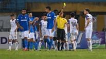Sau lùm xùm nợ lương, cầu thủ Than Quảng Ninh 'buông xuôi' trước Hà Nội?