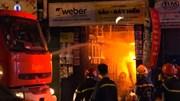 TP.HCM: Cháy cao hàng chục mét, bao trùm cửa hàng sơn