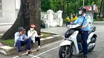 TP.HCM: Ra quân nhắc nhở, xử lý không đeo khẩu trang nơi công cộng